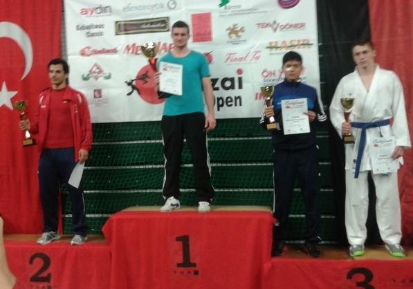 Banzai_Cup_2014_podium